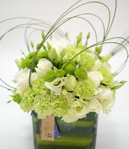 白绿色系桌花台花会议桌花
